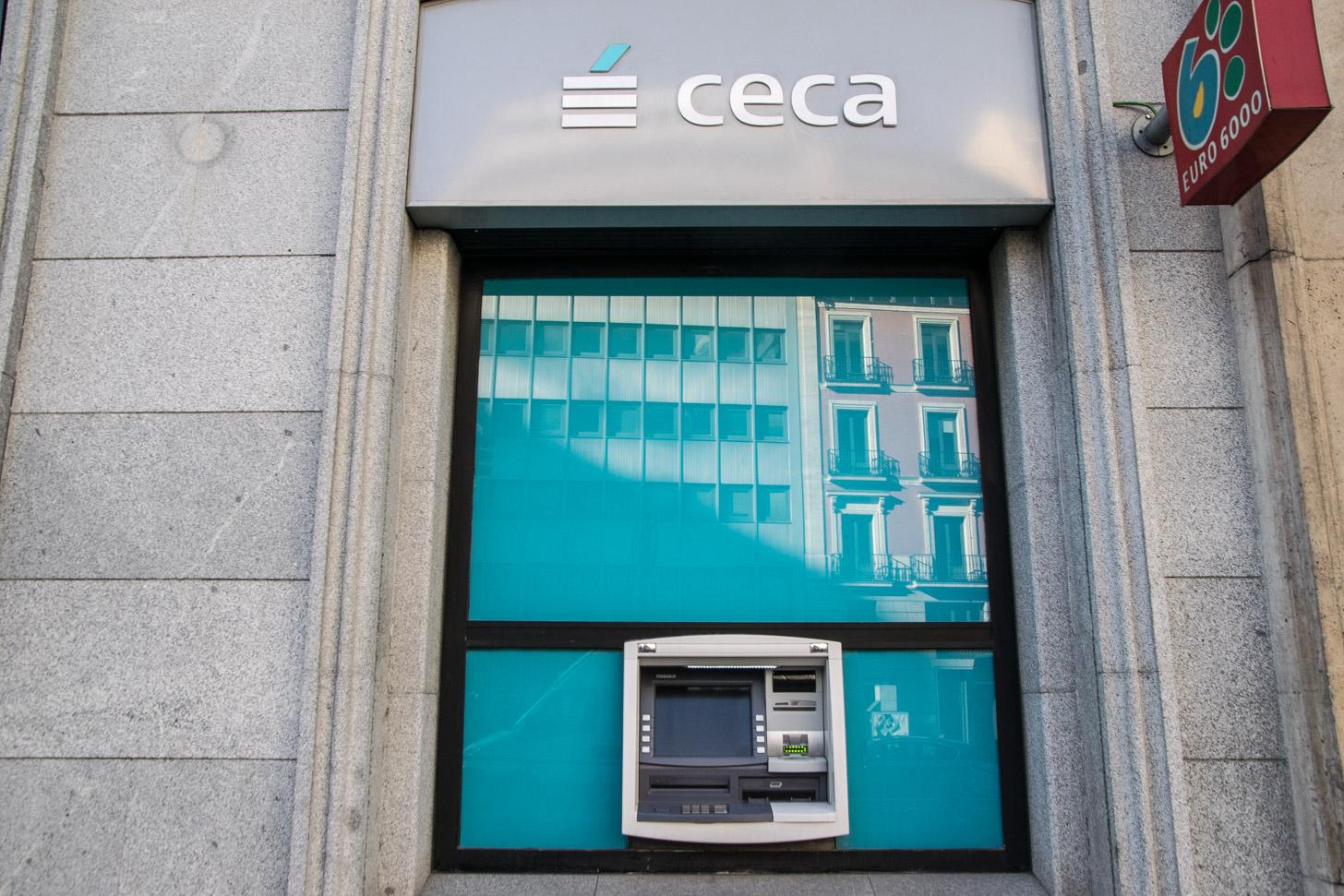 Geld haal je ook in Madrid gewoon uit de muur