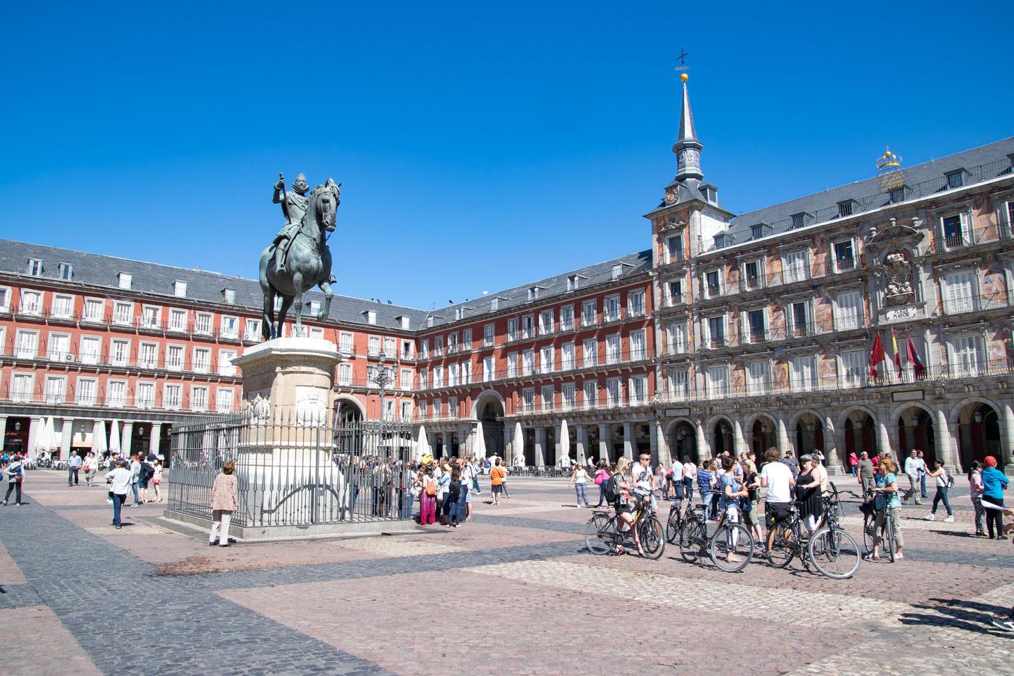Het prachtige Plaza Mayor in het centrum van Madrid.